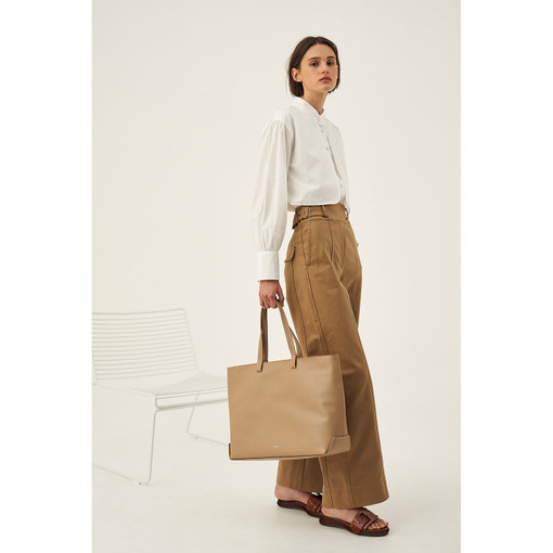 Oroton Minna Large Tote in Khaki and Smooth Leather for female