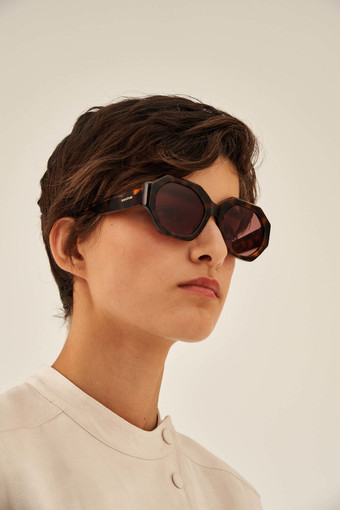 Oroton Peyton Sunglasses in Signature Tort and Acetate for female